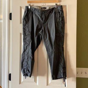 Eddie Bauer Capri Cargo Pants, Size 10 Gray EUC